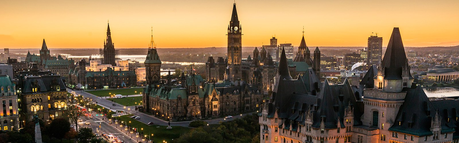 1600x500 panoramic view of downtown ottawa with parliament hill